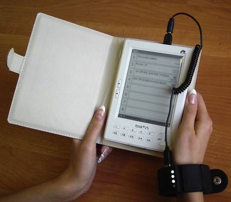 Универсальный браслет-аккумулятор