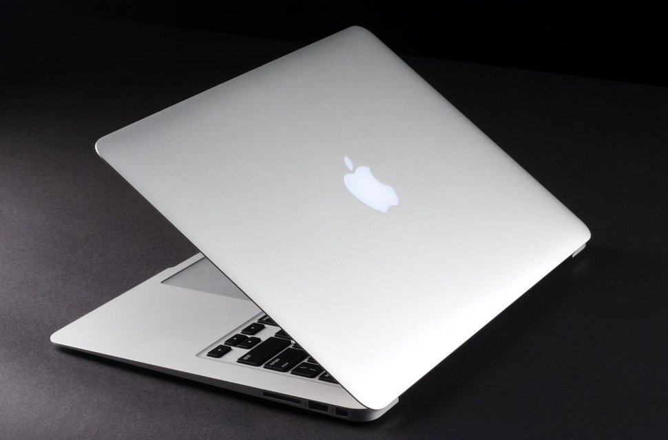 macbook-air-2013-review-lid-open-angle-2-1500x991-970x0