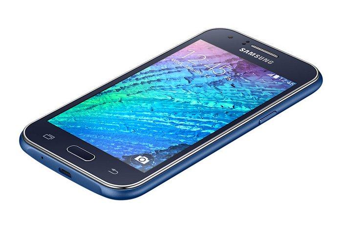 Samsung Galaxy J1 сбоку