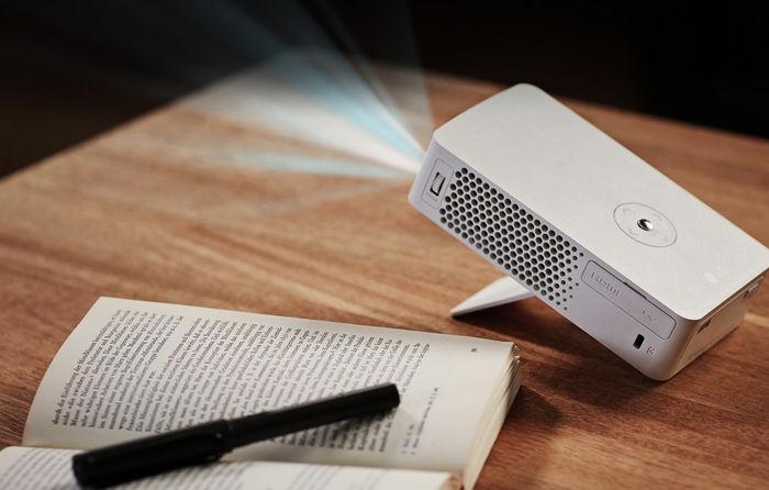 LG PH30JG - компактный проектор из серии MiniBeam