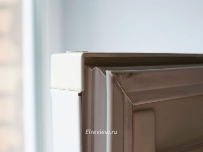 Загрязнившийся уплотнитель холодильника